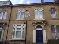Rooms Within A House Share In BD7* Close To Uni & College* All Bills Included* Fully Furnished
