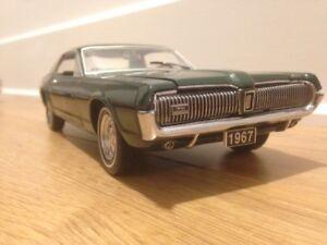 Petite voiture de collection Mercury Cougar 1967