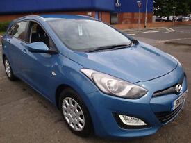 13 HYUNDAI I30 CRDI CLASSIC BLUE DRIVE DIESEL ESTATE £20 A YEAR TAX
