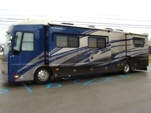 AMERICAN EAGLE, 40', 400 HP DIESEL COACH, 4 SLIDES, IMMACULATE!