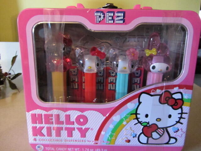HELLO KITTY 4 PEZ COLLECTIBLE DISPENSERS LUNCH BOX TIN BRAND NEW