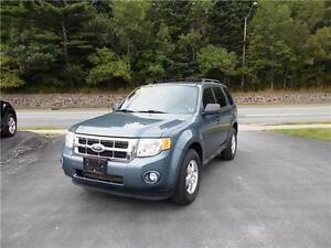 2010 FORD ESCAPE XLT 4WD...LOADED!! FINANCING AVAILABLE!!