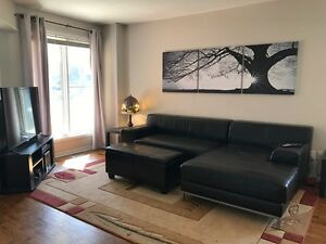 Looking for a good room mate to share house w/ in East Barrhaven