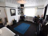 Lovely 1 bed gff in Hangleton, Hove for any gf 1/2 bed place between Portslade and Durrington