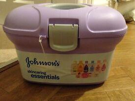 Johnson's Skincaring Essentials Baby Box
