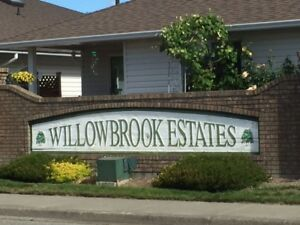 RANCHER IN WILLOWBROOK ESTATE!  NEW LISTING