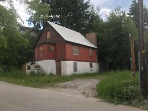 Beautiful Fixxer Upper Downtown  Castlegar, Commercial  Zoned