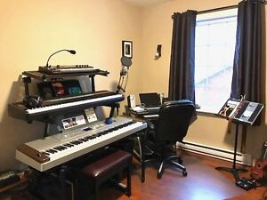 2 TIERED STAND FOR KEYBOARDS