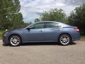 2010 Nissan Maxima (Fully Loaded Premium Package)