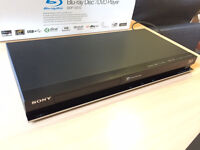 Sony BDP-S570 3D Blu-ray Disc/DVD Player with Built-in Wi-Fi (£50)