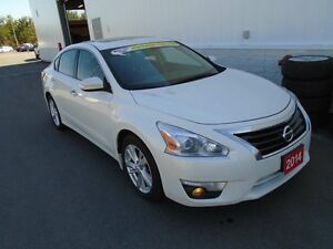 2014 Nissan Altima 2.5 SL (One Owner)