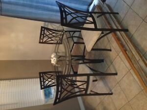 table and 4 chairs $120 905 388-0721