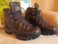 Mens Scarpa Walking Boots UK Size 9.5