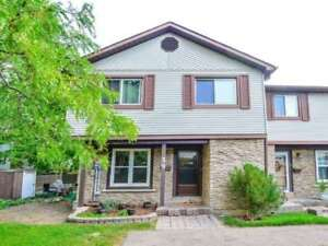 Lovely 4 Bedroom, Corner Unit Home