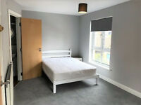 *NO AGENCY FEES TO TENANTS* Fantastic double bedroom with ensuite, available in 5 bed house share.