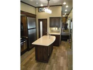 2017 Compass 377MB Luxury 2 bedroom 5th wheel - 4 slideouts Stratford Kitchener Area image 9