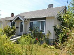 CHARACTER HOME WITHIN WALK DISTANCE OF TOWN!