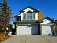 AMAZING HOME FOR RENT IN CHESTERMERE >>NEAR LAKE>>