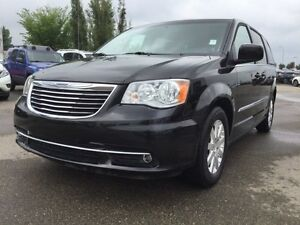 2016 Chrysler Town & Country TOURING Accident Free,  3rd Row,  B