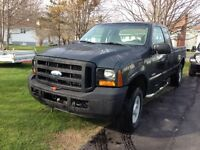 Ford F-250 SD DIESEL-- REDUCED