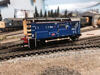 HORNBY CLASS 08 822 FIRST GROUP LIVERY - BRAND NEW