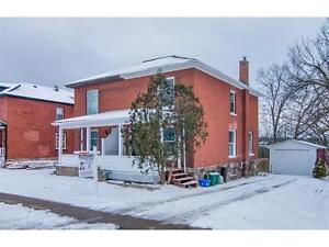 Great Value / backs onto the Grand River!