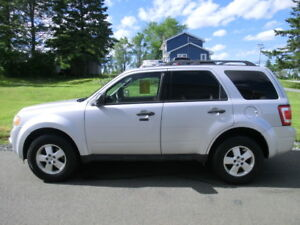 2012 Ford Escape Xlt w/Leather,Moonroof all wheel drive