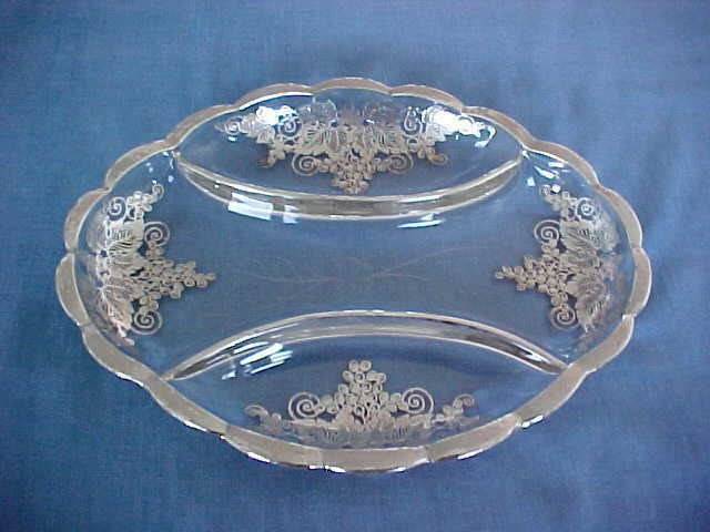 VINTAGE HEAVY GLASS DIVIDED DISH WITH SILVER OVERLAY FOR CRUDITES HORS D
