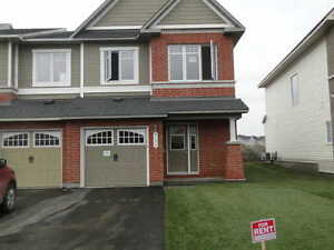 TOWNHOME FOR RENT AT BARRHAVEN, NEPEAN, ON AVAILABLE IMMEDIATELY