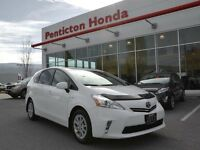 2012 Toyota PRIUS V w/ Backup Cam and Touchscreen