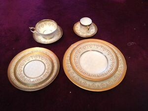 Aynsley fine china Gold Dowry collection