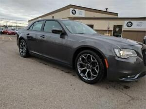 2017 Chrysler 300 300S....EVERYONE GETS APPROVED......$22950