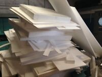 Free polystyrene suitable for packing or insulation.