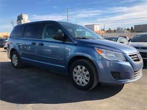 2012 Volkswagen Routan Trendline -LOW KMS/COMES WITH 3MTH WARRAN