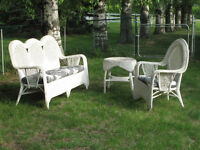 Wicker patio set: Sofa Chair & Table