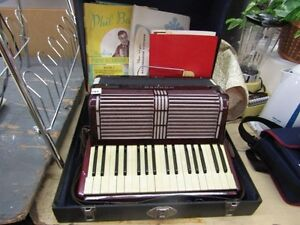 Accordian Online Auction Bidding Closes Wed June 1 @ 12 pm