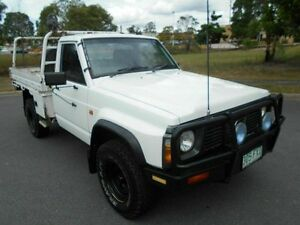 1999 Nissan Patrol GQ DX White 5 Speed Manual Cab Chassis Underwood Logan Area Preview