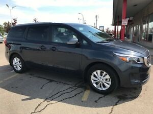 2017 Kia Sedona LX 8 PASSENGER Accident Free,  Heated Seats,  Ba