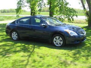 2011 Nissan Altima $5500 obo
