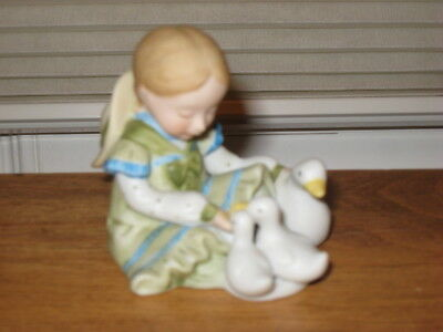 "HOLLY HOBBIE ""LITTLE THINGS"" MINIATURE SERIES IV PORCELAIN FIGURINE for sale  Grafton"