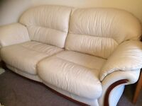 Cream leather 3 piece suite in good condition