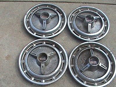 "1969 69 1970 70 Pontiac Bonneville Hubcap Rim Wheel Cover Hub Cap 15/"" OEM USED"