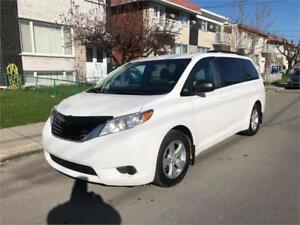 2014  TOYOTA SIENNA le- 7 passagers- IMPECABLE- 1 PROPRIO-  ****