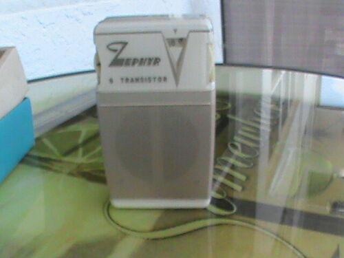 Zephyr 6 Transistor Radio Model 620   in Display Box for Parts or Repair