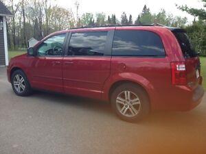 2010 Dodge Caravan Minivan, Van in Woodstock