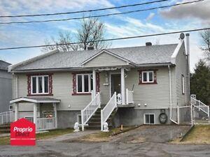 maison a vendre a st calixte possibilité du revenu