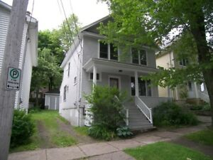 LOVELY 3 BEDROOM HOME IN WESTEND HALIFAX!