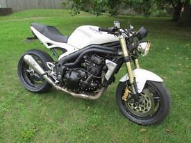 Triumph SPEED TRIPLE 1050 MOTORCYCLE