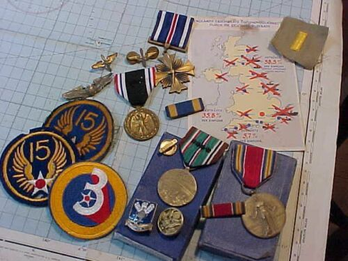 ORIGINAL WWII USAAF PILOT LOT - MEDALS / PATCHES / INSIGNIA / ETC