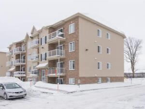Condo/appartement moderne à vendre à Vaudreuil-Dorion